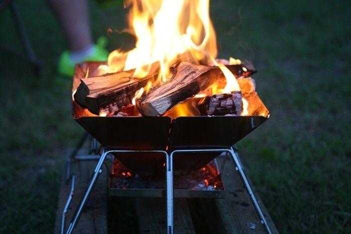 焚き火台を利用した焚き火の様子