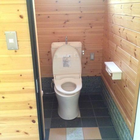 道志の森キャンプ場のトイレ