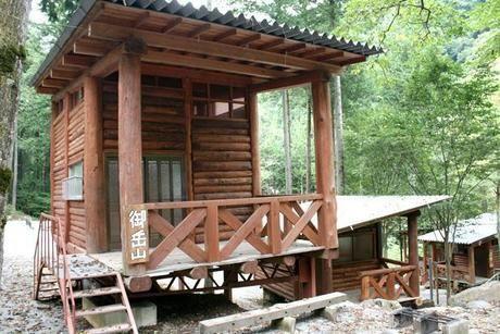 つちうちキャンプ場のバンガロー