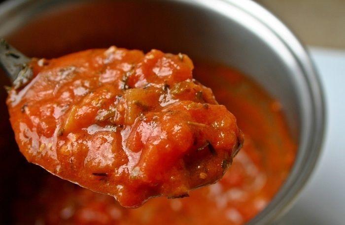 野菜の旨味たっぷりトマトスープ