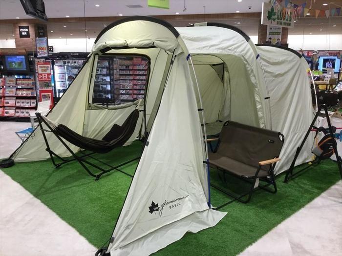 テントが展示されている様子