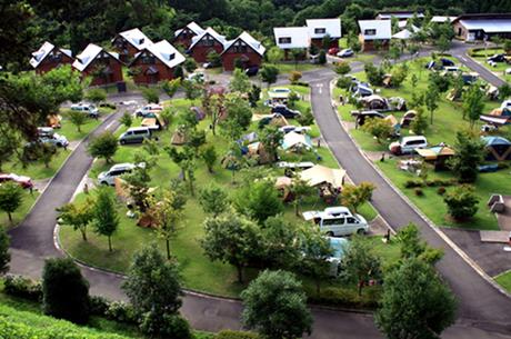 大子広域公園 オートキャンプ場グリンヴィラを上空から見た様子