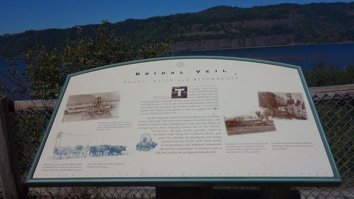 ブライダル・ベール滝の看板