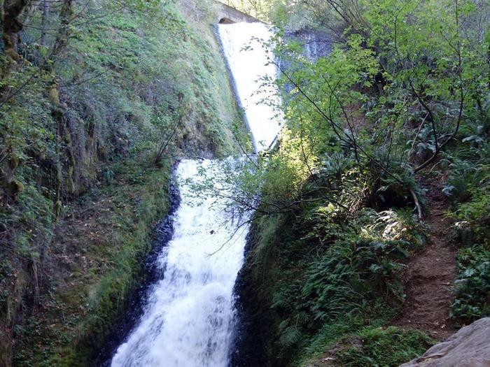 ブライダル・ベール滝の全貌