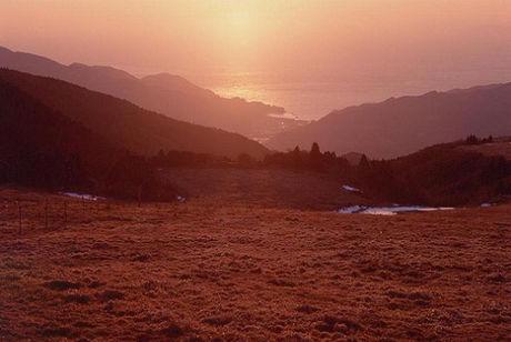 西天城高原牧場と夕日
