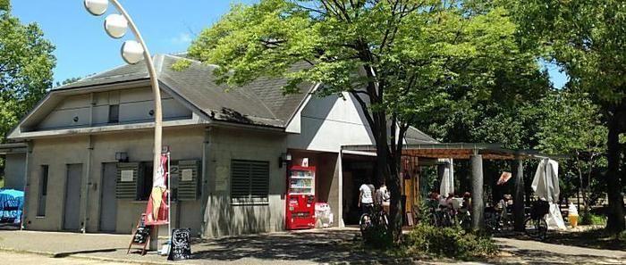花博記念公園鶴見緑地の管理棟