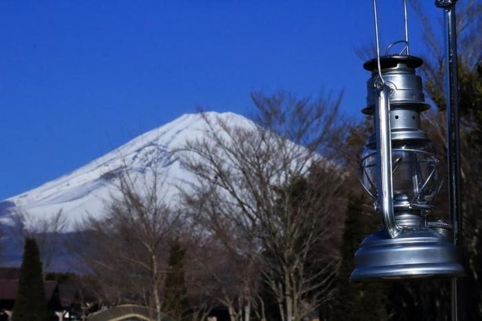 富士山とハリケーンランタン