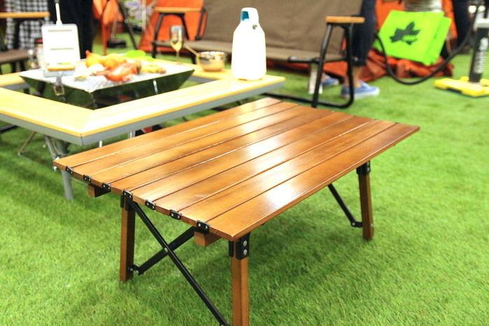 展示されているウッドロールテーブル