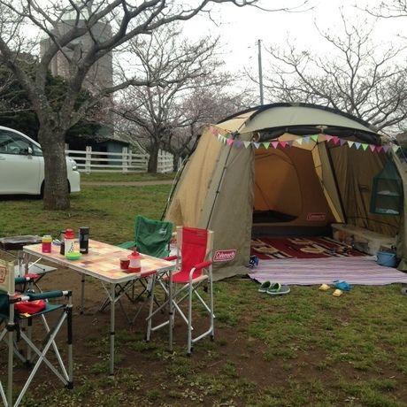 ラウンドスクリーン2ルームハウスのキャンプサイト