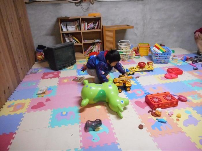 室内の子供の遊び場