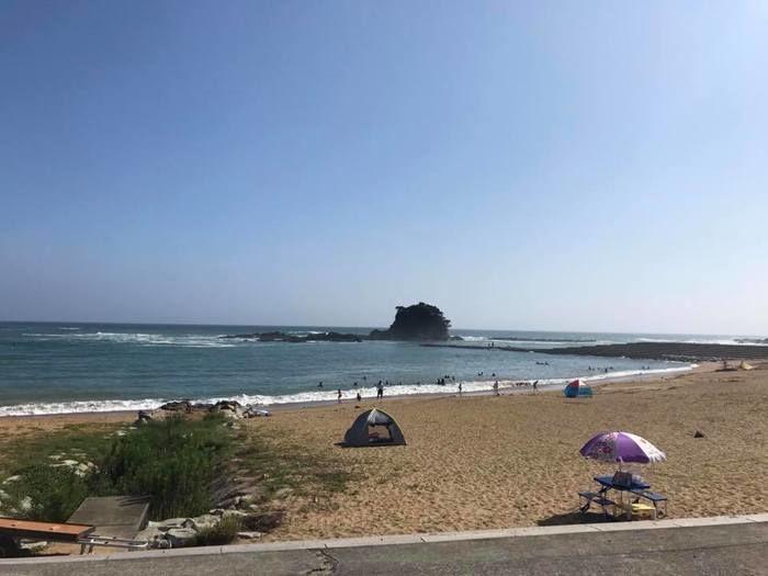 あづり浜の海岸と海
