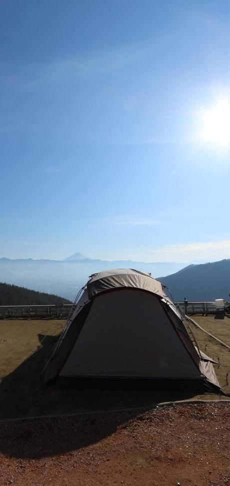 青空とテント