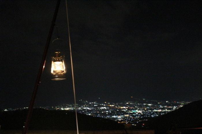 夜景とランタン