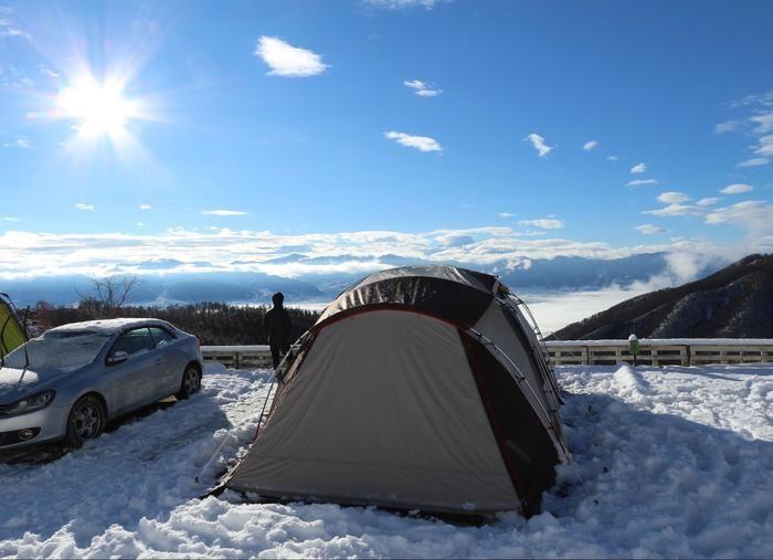 雪中キャンプから見下ろした晴れの雲海