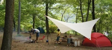 グリーンパークふきわれでキャンプを楽しむ親子