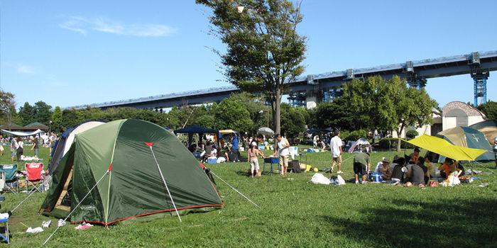 若洲公園でのキャンプの様子