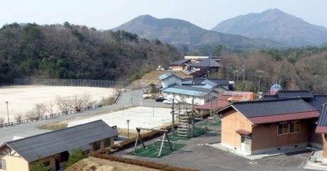 グリーンミュージアム神郷の高瀬湖畔オートキャンプ場の上空写真