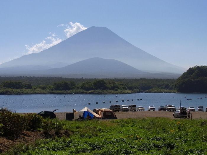精進湖とテントサイト
