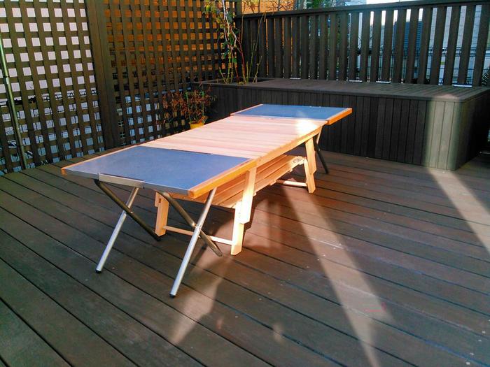 焚き火テーブルとくっつけたテーブル