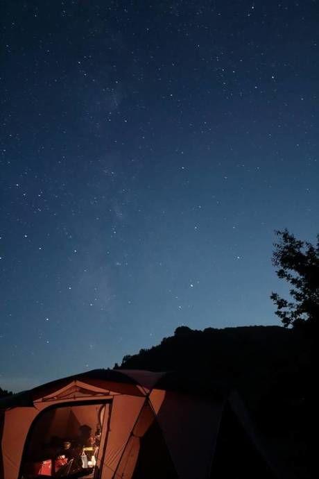 無印良品津南キャンプ場のキャンプサイトから見える星空