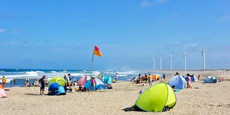 日川浜オートキャンプ場の海辺のサイト