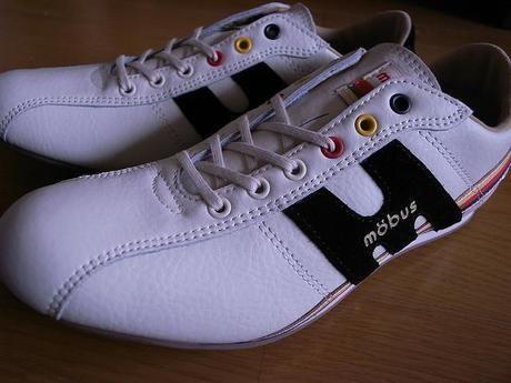 モーブスの靴