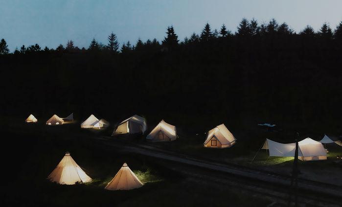 ノルディスクのテントでのキャンプの様子