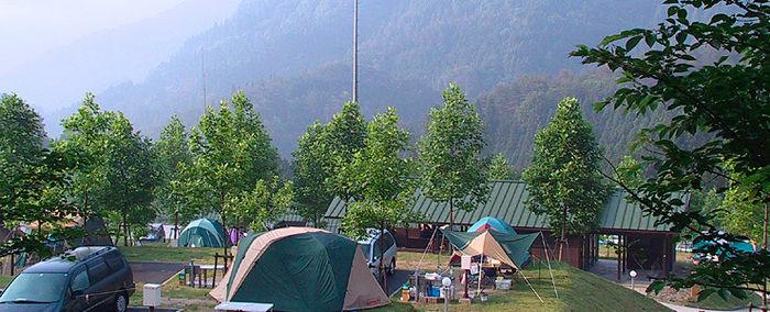 湯の原温泉オートキャンプ場でのキャンプの様子