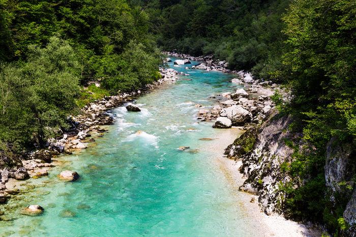 キャニオニングを楽しめる美しい渓谷