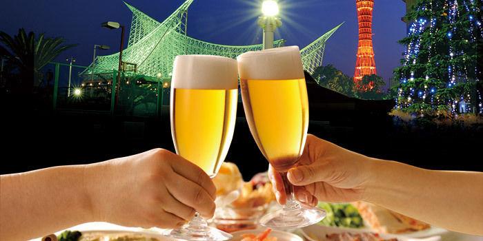 ホテルオークラ神戸のテラスガーデンでの乾杯の様子