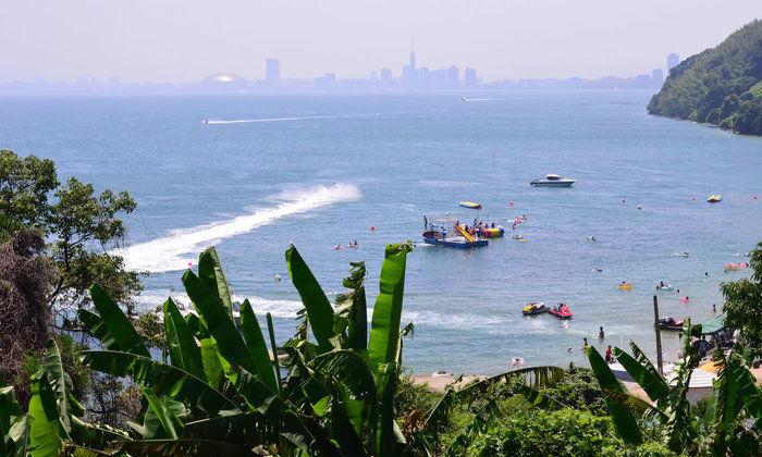 海が一望できる能古島キャンプ村の風景
