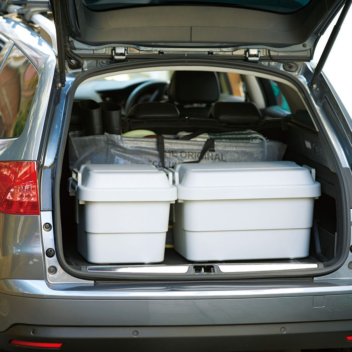 車に積まれたポリプロピレン頑丈収納ボックス・大