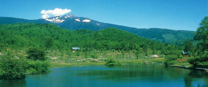 山々と湖を望む南乗鞍キャンプ場