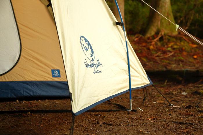 テントの足元