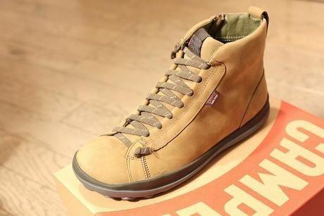 左足用の靴