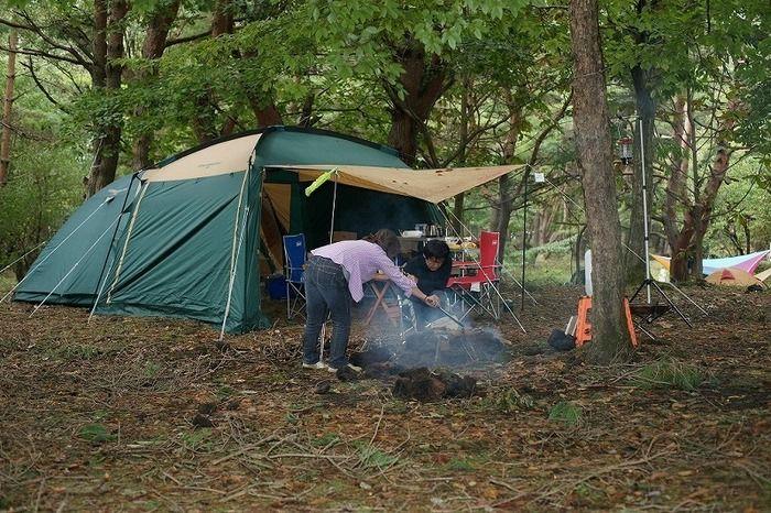 テントを張ってBBQ
