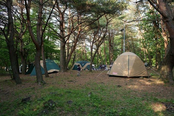 点在するテント