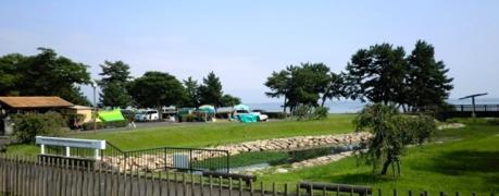マイアミ浜オートキャンプ場 琵琶湖を臨む風景