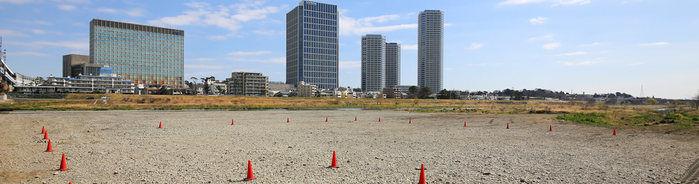 川崎市多摩川河川敷バーベキュー広場の広い敷地