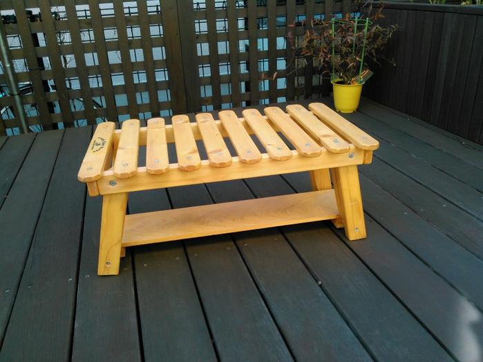高さを調節してお座敷スタイルのサイドテーブルに