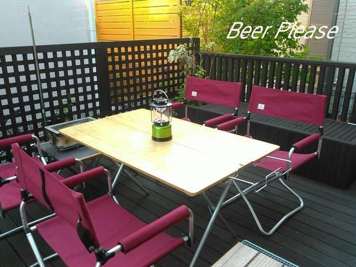 ハイスタイルのテーブルと椅子