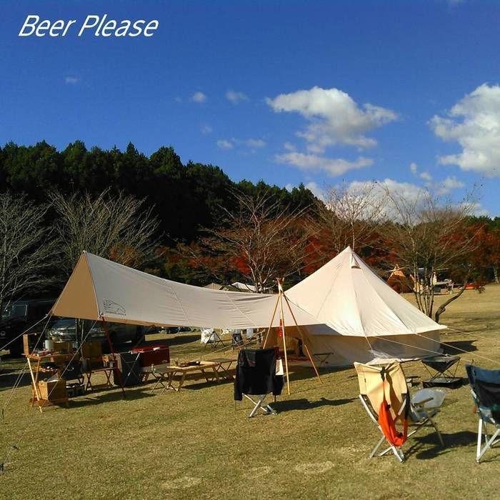 オフホワイトのテントとタープ