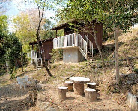 能勢温泉キャンプ場のテントハウス