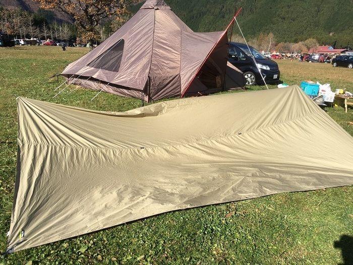 テントを乾燥する様子