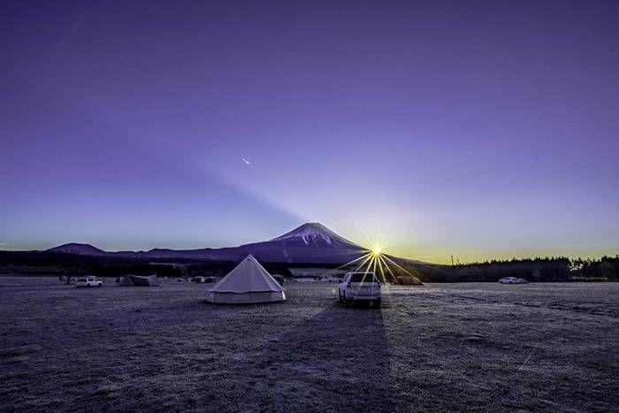 アスガルドから富士山越しにのぞむ日の出