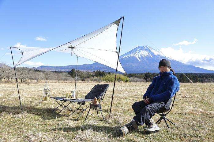 青い富士山と白いスターライトタープ