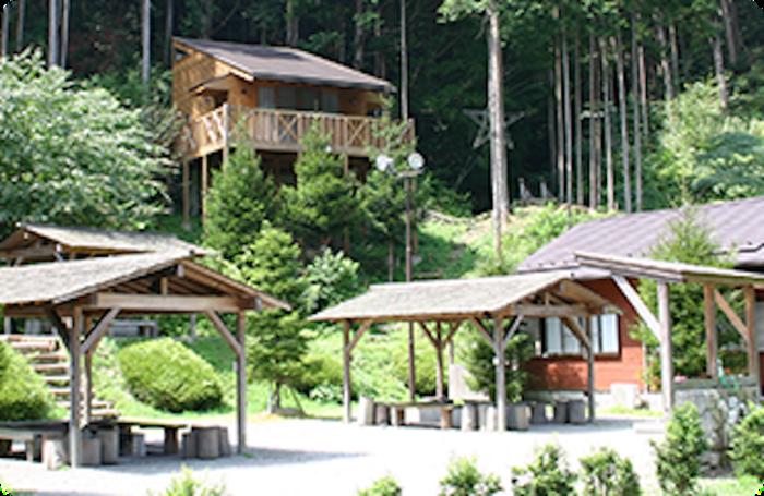 黒滝・森物語村 森の交流館のコテージ
