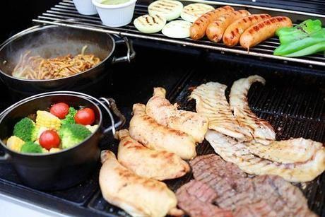 昭和の森ガーデン 肉や野菜が楽しめるバーベキュー