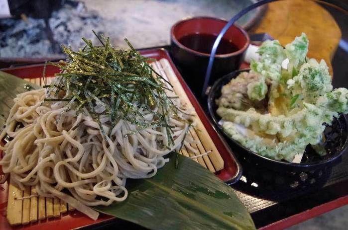 ナラ入沢渓流釣りキャンプ場の山小屋で食べられるそば