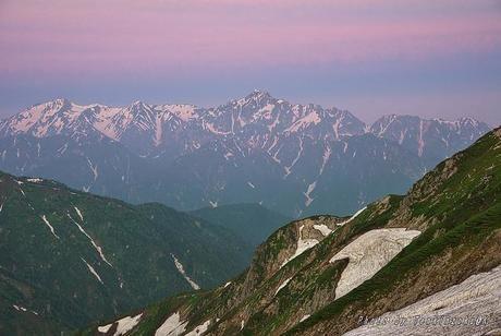 唐松岳頂上山荘から見える景色